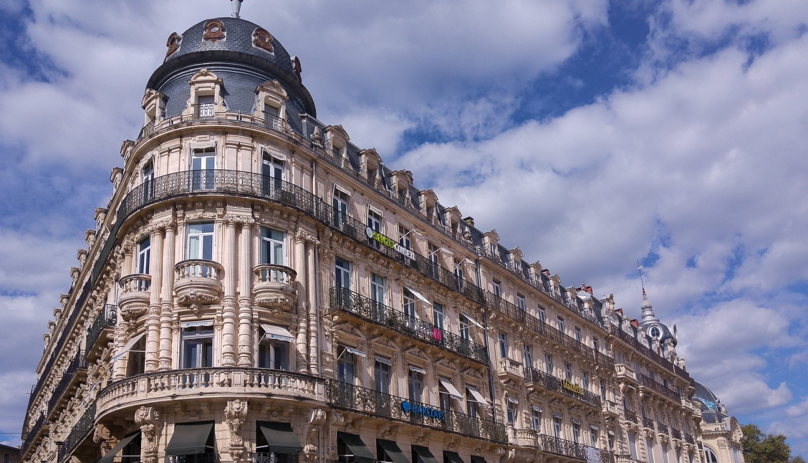 | Montpellier is not just one of France's most sought after destinations, it offers an incredible amount of sketch subjects and easily accessible by plane or train.