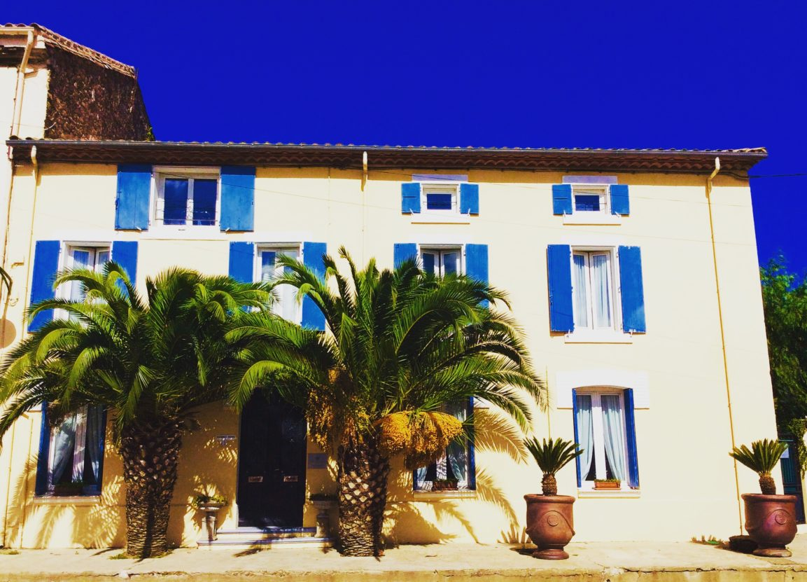 | Maison des Palmiers is a beautifully renovated townhouse with pool in the charming riverside town of Bize Minervois. Fly to Carcassonne or Béziers.