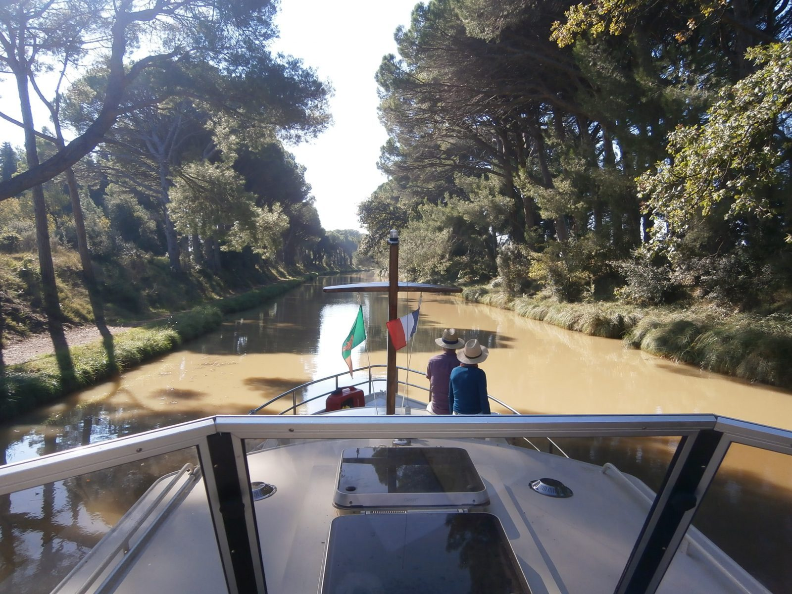 | Relax and learn to sketch in style whilst cruising the Canal du Midi. Lunch & wine included. Also a great day out for photographers and non-sketching partners!
