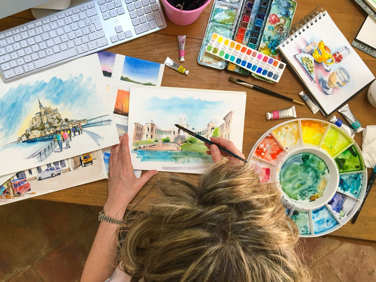 Online workshops | Workshops, holidays and online courses to develop your sketching and watercolour skills whilst learning more about French life and culture.